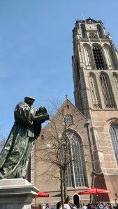 Erasmus standbeeld Rotterdam